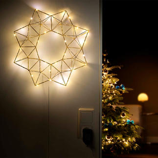 Pyramid Light Star Festive lighting – but subtle and delicate: The LED light star in a contemporary geometric shape.