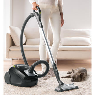 AEG Canister Vacuum Cleaner VX8-2 ÖKO Probably the quietest power vacuum cleaner in the world.