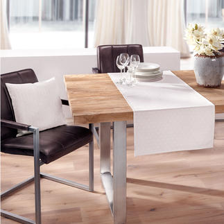 Asanoha Table Linen Table linen like a kimono. Easy-care due to stain protection deep inside the fibres. Woven pattern.