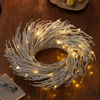 LED Deco Wreath Atmospheric glowing light – like distant glittering stars.