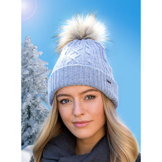 Heated Bobble Hat The bang on-trend bobble hat: Now even with a built-in heating system.