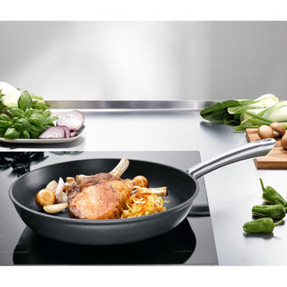 Lightweight Cast Iron Pans All the outstanding cooking characteristics of indestructible cast iron. Lighter. At a very good price.