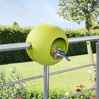 Birdball Railing Bird Feeding Station Ingenious plastic design: Just pop it in place and fill it up.