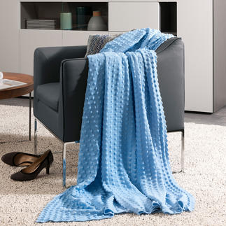 StrickArt Blanket with Bobbles Perfect at home and for travelling. Wonderfully soft and decorative.