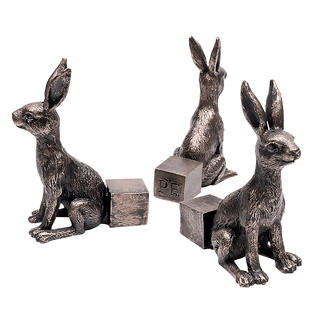 Potty Feet, Set of 3 Decorative bunny figurines provide more free space under your plant pots.