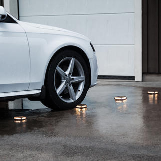 Solar-Powered Floor Lights Driveway, Set of 4 To highlight garage entrances, steps, footpaths, etc.