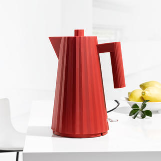 Plissé Electric Kettle Reminiscent of a couture dress: Alessi's kettle in pleated design.