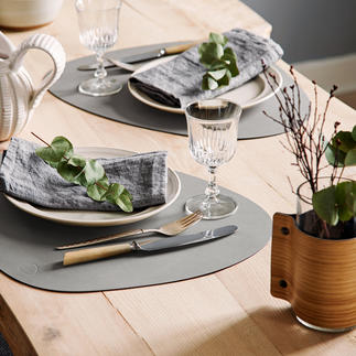 tableMat Curve, Set of 2 High quality bonded leather: Waterproof, stain resistant and permanently beautiful.
