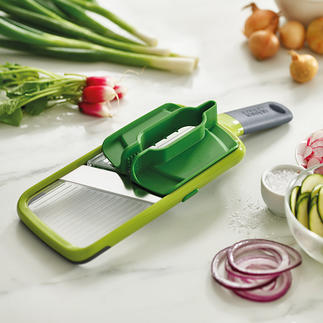 Joseph Joseph Multi-Grip Mandoline™ Slice more safely: Thanks to the multi-grip for vegetables and fruit of almost any size.