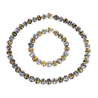 Murano Beaded Necklace or Bracelet Venetian splendour: Shimmering gold and silver, embedded in luxurious Murano glass beads.