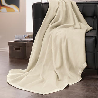 Silk Fleece Blanket As cosy and lightweight as fleece - yet made of pure silk. A delight against your skin.