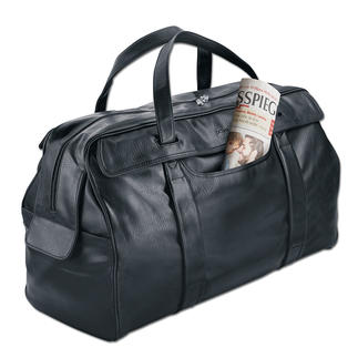 OCONI Travel Case As elegant and supple as leather – but much less expensive and easier to care for.