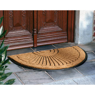 Fan design door mat The dense, authentic coir relief pattern on a non-slip heavy rubber base cleans soles perfectly.