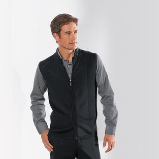 Stereo System® Waistcoat Tomorrow's classic: The new generation of knitted waistcoats. Modern, unrestricting slim fit.