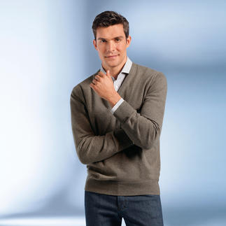3-Ply-Cashmere V-Neck Pullover First-rate and rare: 3-ply cashmere from Inner Mongolia.
