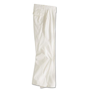 Cream Bermudas or Trousers Uncomplicated at last: Cream trousers in soft cotton poplin.