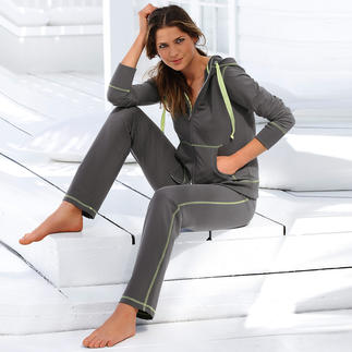 CW Lightweight Leisure Suit Cosy leisure suit that does not loose shape.