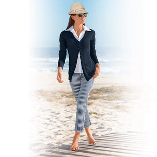 """Seersucker Trousers """"Blue Stripes"""" Perfect summer trousers: In seersucker so light and airy – but still elegant enough for the office."""