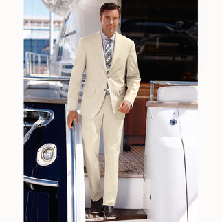Easy-Care Summer Suit The light coloured summer suit that can even handle the washer. Never overstyled. Never underdressed.