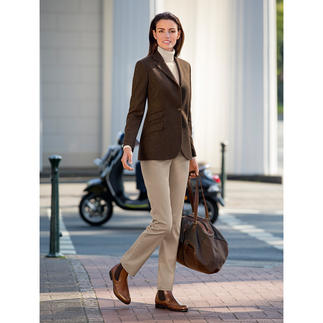 Kastell Ladies Virgin Wool/Cashmere Blazer Streamlined cut. Perfect fit. Charming details. The feminine version of a classic virgin wool blazer.
