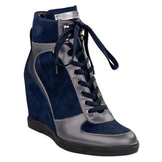 Samsonite Footwear Wedge Sneaker Ideal for travel. Light. Comfortable. Feminine. And versatile.