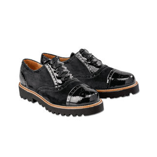 Casanova Casual Brogues As comfortable as trainers. But also elegant enough to wear with a black pant suit.