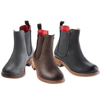 Shoot Chelsea Boot Legendary shape. Soft calfskin. High-end craftsmanship. And an excellent price.