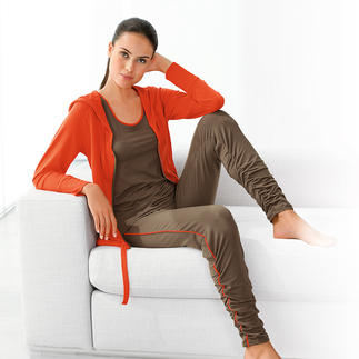 SeaCell® pure Spa Hoody, Shirt or Leggings Protect & nourish your skin: Contains soothing active nutrients and antioxidants to protect from free radicals