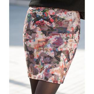 "Lola Paltinger Pencil Shapewear Skirt ""Starry Sky"" Starry skies as a stylish print. Invisible sculpting power. Skirt and shapewear in one."