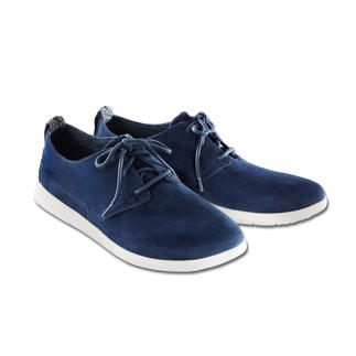 UGG® Light Sneaker Water-repellent suede, with ultra-light outer sole – and at a very good price.