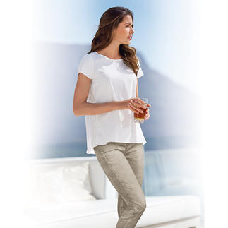 van Laack Blouse Shirt More elegant and feminine than a shirt. More relaxed and casual than a blouse.
