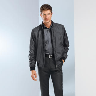 Eduard Dressler Silk Blouson All-natural instead of high-tech: Pure silk with a water-repellent finish.
