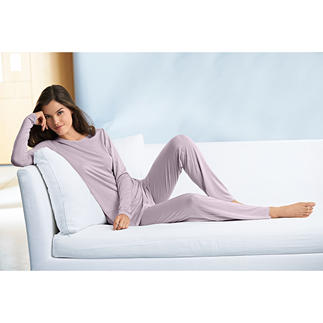 Cornelie Weiss MicroModal® Loungewear Suit or Fleece Cape Cosy leisurewear is rarely this elegant.