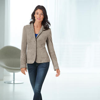 Lambskin Velours Blazer Lambskin suede as soft as a glove. Versatile shade of grey. Feminine cut.
