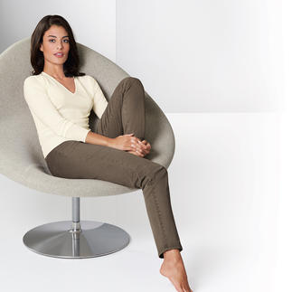 RAPHAELA-BY-BRAX Magic Waistband Trousers Invisible reserve waistband width plus power-stretch effect.