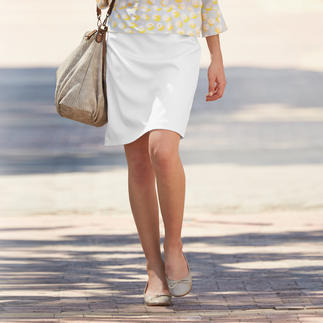 Strenesse Textured Skirt Chunky texture, gentle lustre: This is how elegant (and fashionable) a classic skirt can be.