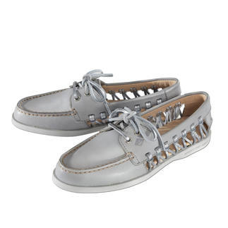 "Sperry Top-Sider ""Lady"" The sides are open and airy. Weight 224g (7.9 oz). Light grey with stylish, silver coloured laces."