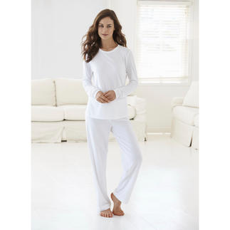 Cornelie Weiss Loungewear Suit Perfect for the summer – white loungewear in an airy blend of cotton and modal piqué.