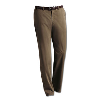 Hiltl Supima® Chinos with or without pleats Softer and smarter for longer: Elegant chinos made of Supima® cotton.