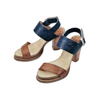 Coque Terra Footbed Sandals Wonderfully comfortable thanks to the cork latex footbed – yet fashionably slim and elegant.