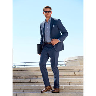 "Carl Gross Cotton Suit ""Ceramica"" The ideal suit for business and travelling, made from summery cotton that barely creases."