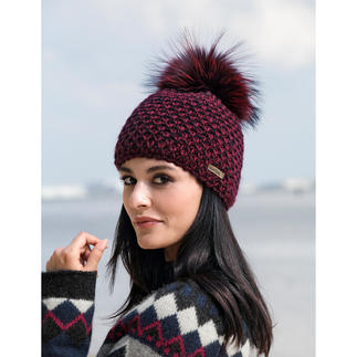 Norton Fur Bobble Hat Fashionable chunky knit on the outside, soft plush on the inside: The guaranteed itch-free bobble hat.