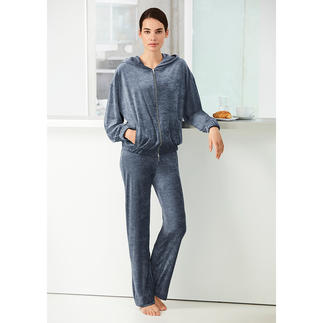 Pluto Velour Lounge Suit Velvety soft velour – brilliantly coloured with added viscose for a silky sheen.