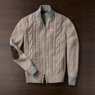 Doriani Cashmere Cardigan Made of 4-ply cashmere: The luxurious cardigan by Doriani.