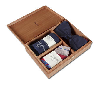 Gentleman's Agreement Accessories Box Perfectly matching. The versatile combination of bow tie, socks and pocket square. By Gentleman's Agreement.