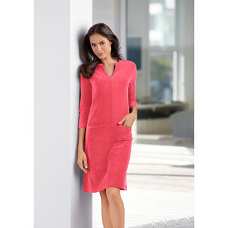 Terry Relax Dress As easy-going as loungewear. But with a lot more charm. The no-nonsense terry dress.