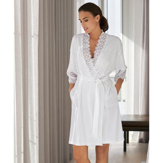 Rösch Lace Kimono The elegant lace kimono from German nightwear and loungewear specialist Rösch.