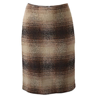 Bouclé Checked Skirt New look for the classic checked skirt: Thanks to the bouclé texture.