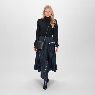 Smarteez Pleated Skirt Fashionable midi length. Chic suit cloth. Subtle iridescent effect. Casual silver accents.