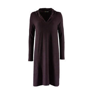 Casual Jersey Dress As comfortable as a leisure suit, but much more attractive. The sweatshirt dress made of ultralight jersey.